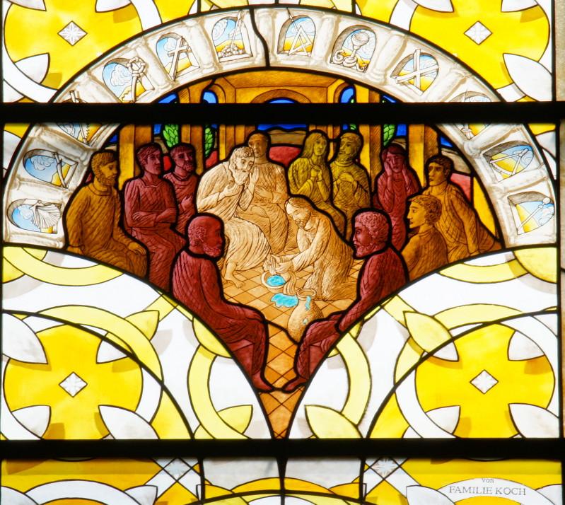 Kirchenfenster von Clemens Hillebrand, Foto: www.maria-heimsuchung-wadgassen.de/fensterC.htm